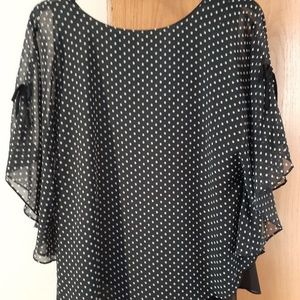 Size large top